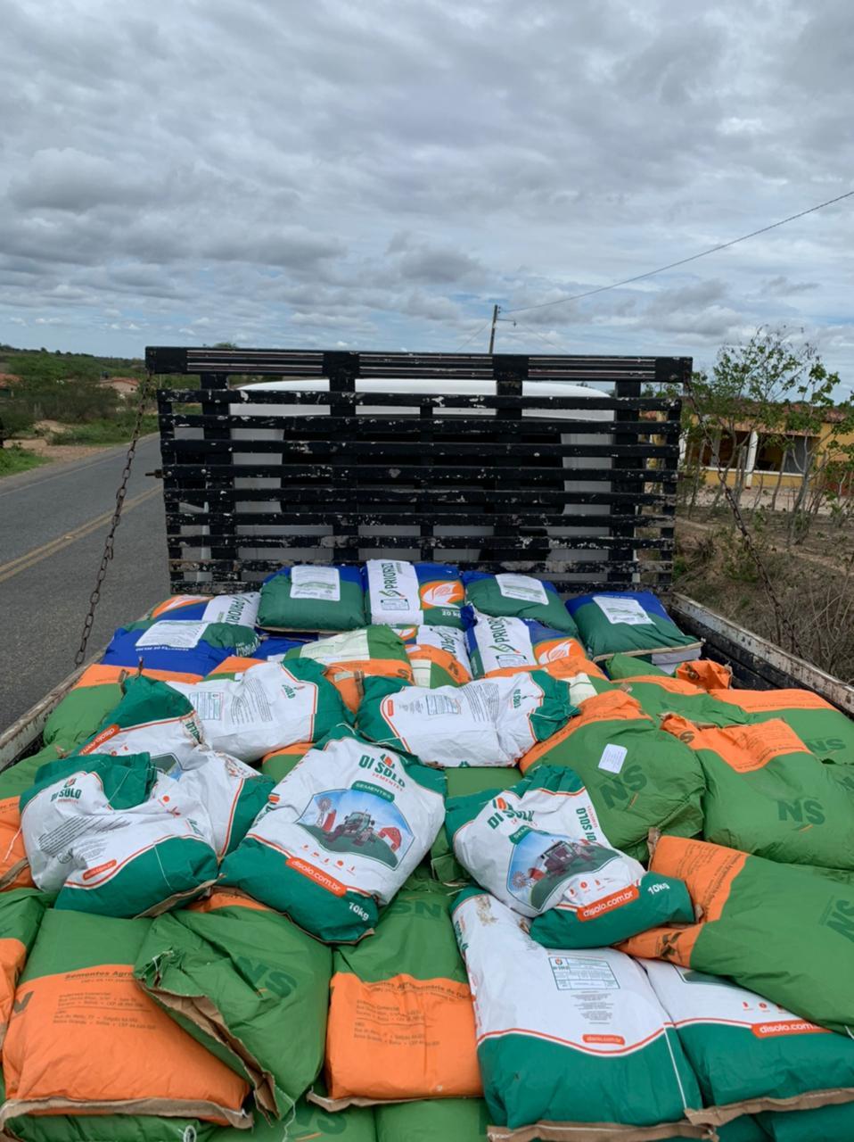 Agricultores de Solânea receberam mais de 4 mil quilos de sementes