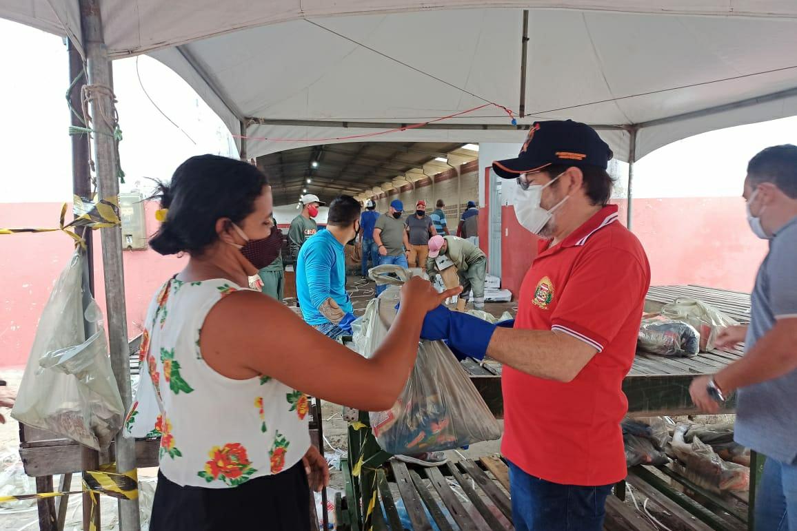Em Solânea prefeitura entrega 9 mil quilos de pescado à população.