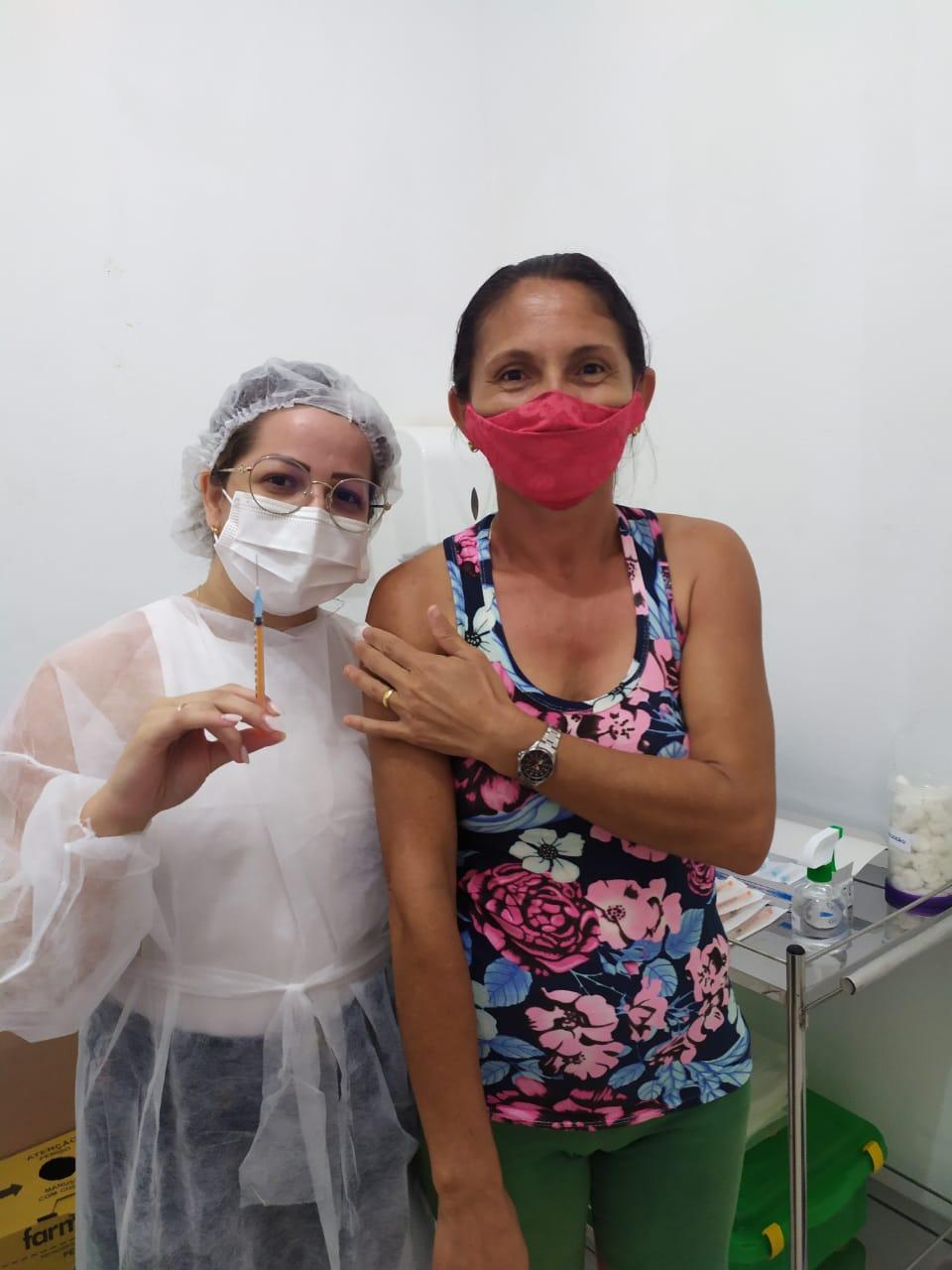 Em Solânea, mais de mil vacinados contra a covid-19 em mutirão de vacinação do final de semana.