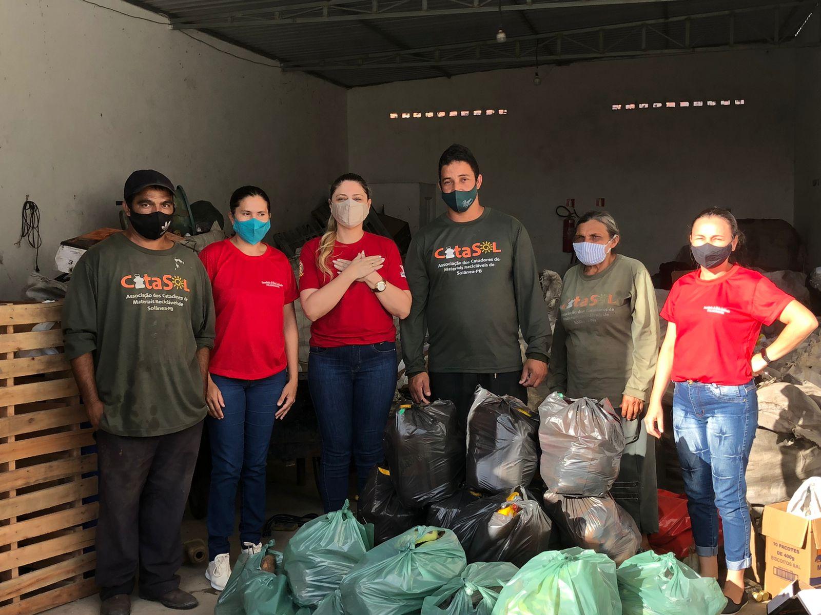Ação Social de Solânea distribui kits alimentares para 300 famílias.